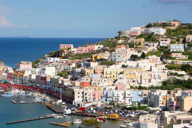 Ponza l isola dalle mille trasparenze viaggi e scoperte for Soggiorno a ponza